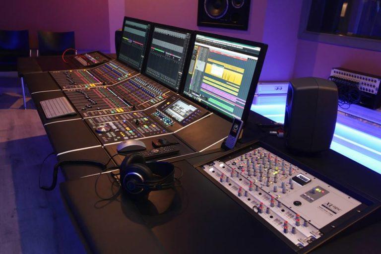 Sala de control. Estudio de grabación en Ejea